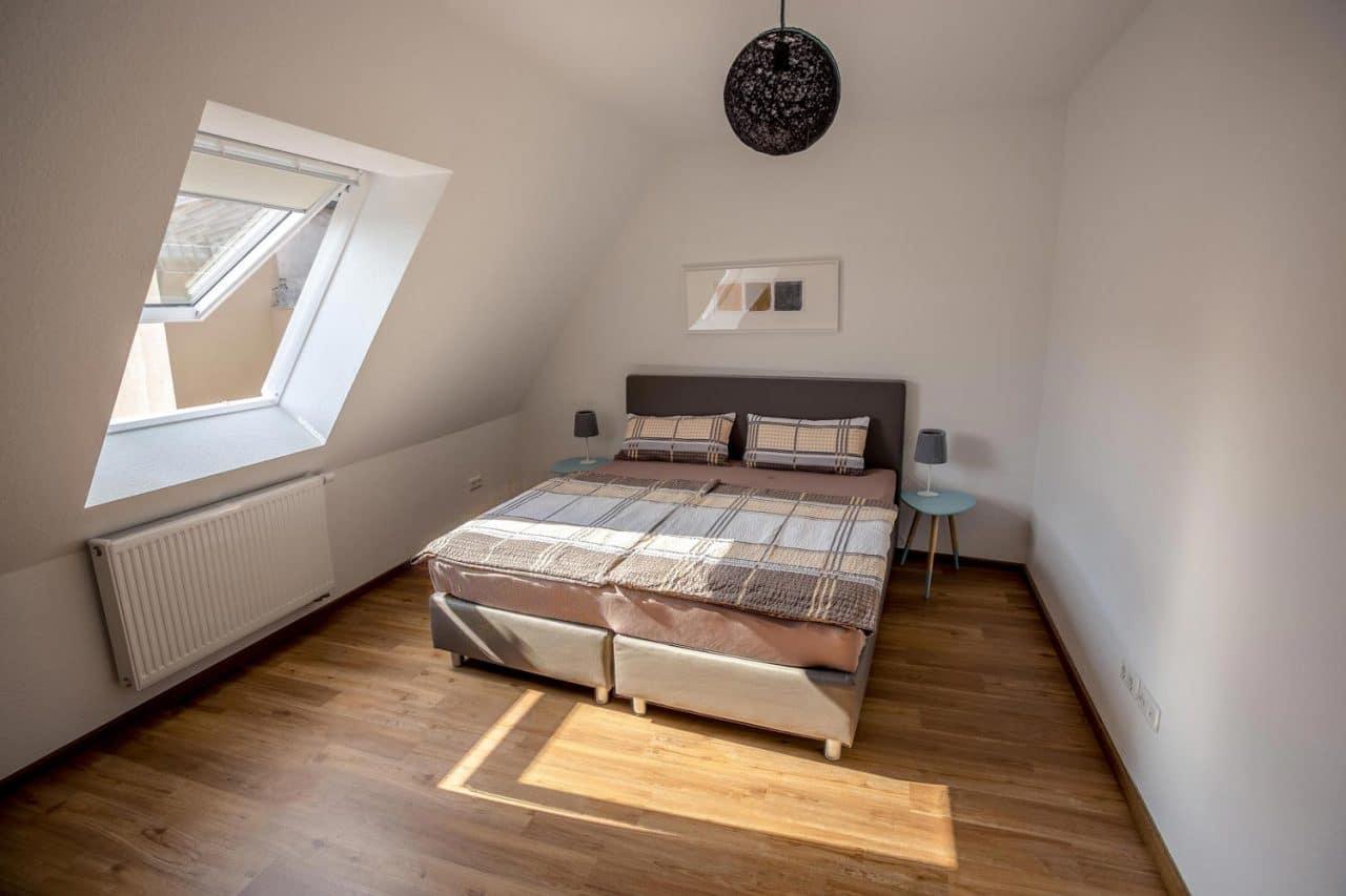 querfeldheim_kabine-20_schlafzimmer